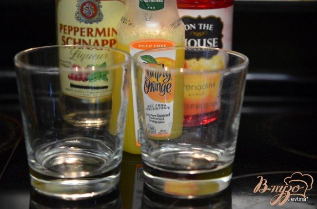 Фото приготовление рецепта: Коктейль с мятным шнапсом шаг №1