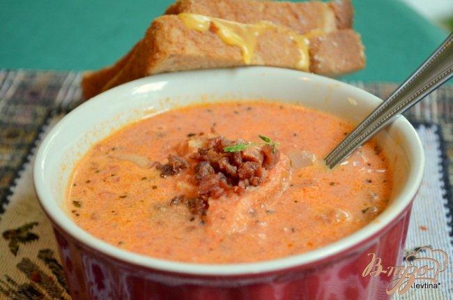 Фото приготовление рецепта: Томатный суп с беконом шаг №6