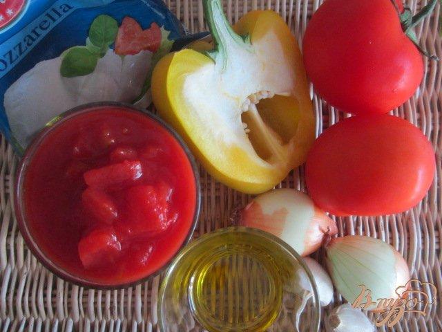 Фото приготовление рецепта: Лепешка из поленты с овощами и сыром шаг №1