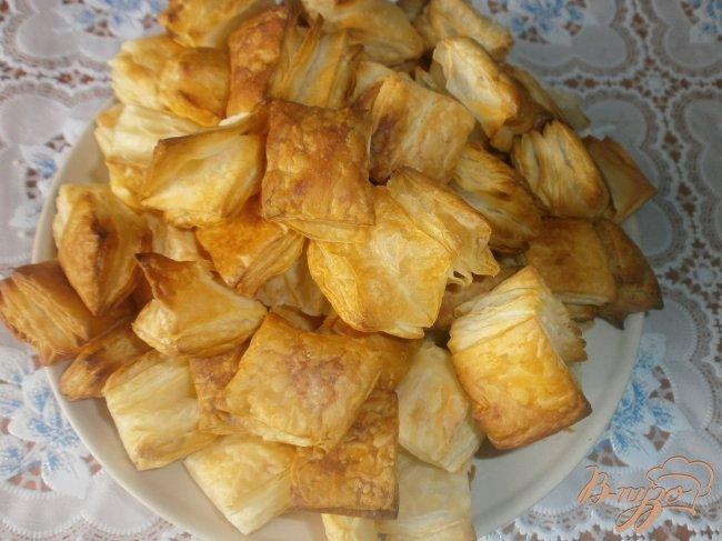 Фото приготовление рецепта: Десерт из слоеного теста шаг №2