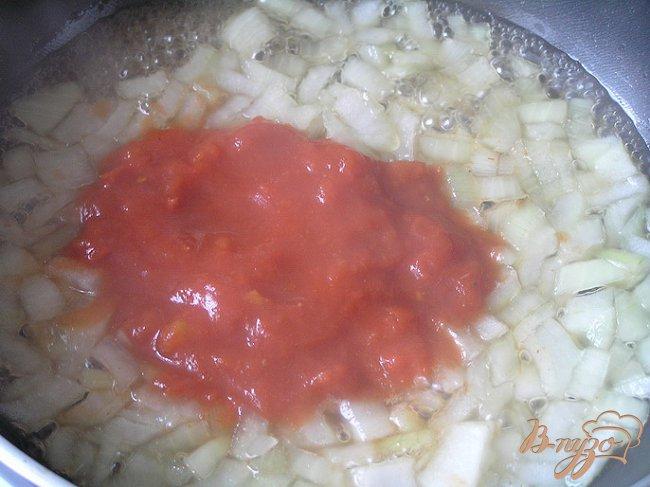 Фото приготовление рецепта: Суп из свинины с зеленой гречкой и томатами шаг №7