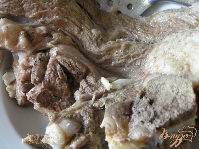 Фото приготовление рецепта: Суп из свинины с зеленой гречкой и томатами шаг №2