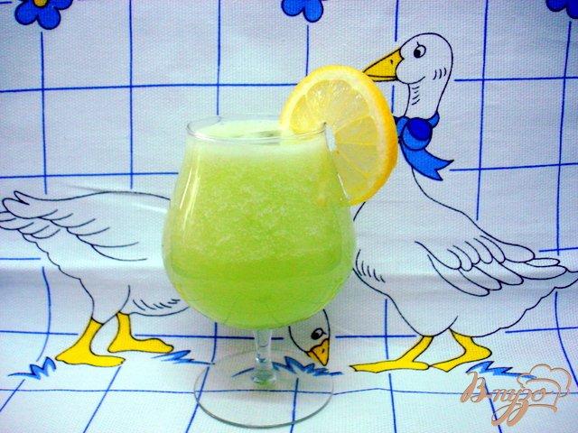 Фото приготовление рецепта: Огуречно - лимонный напиток шаг №6