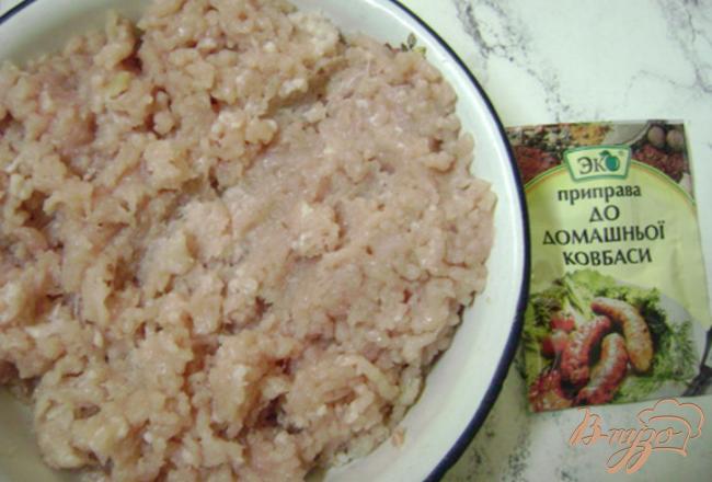 Фото приготовление рецепта: Колбаски куриные шаг №1