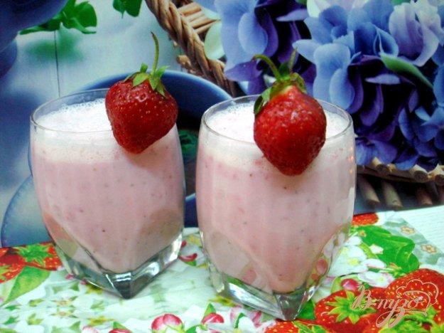 фото рецепта: Коктейль молочно клубничный