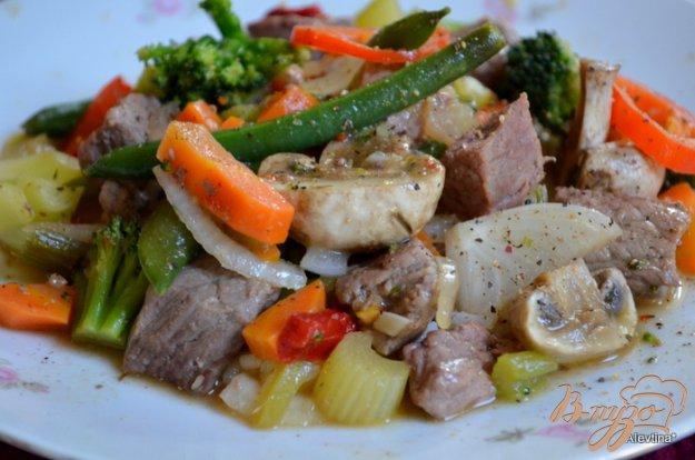 фото рецепта: Говядина с овощами и грибами