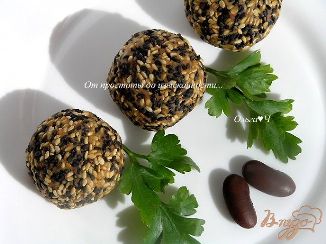 Фото приготовление рецепта: Паштет-закуска из фасоли в кунжутной панировке шаг №6