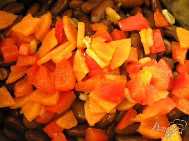 Фото приготовление рецепта: Паштет-закуска из фасоли в кунжутной панировке шаг №3