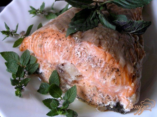 Фото приготовление рецепта: Ароматный лосось с травами шаг №3