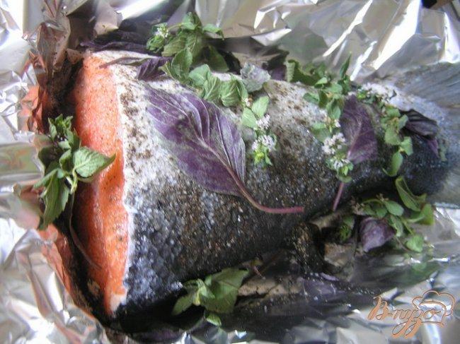 Фото приготовление рецепта: Ароматный лосось с травами шаг №2