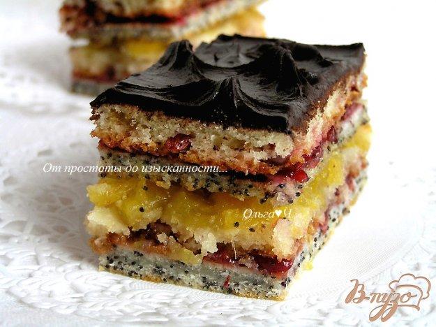 фото рецепта: Клюквенное пирожное с ананасовым джемом