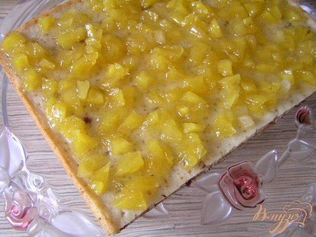 Фото приготовление рецепта: Клюквенное пирожное с ананасовым джемом шаг №13