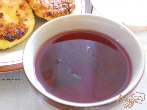 Рецепт Компот с вишней, смородиной и базиликом