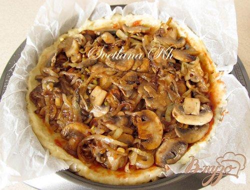 Картофельный пирог с грибами и кабачками