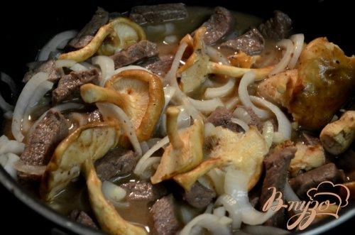 Говядина со свежими грибами шиитаке