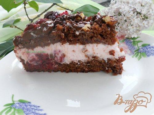 Шоколадный кухэ с вишневым кремом