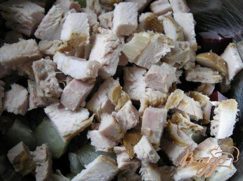 Свекольный фьюжн-салат с запеченной свининой и курагой