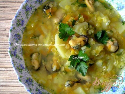 Суп с желтой чечевицей и мидиями