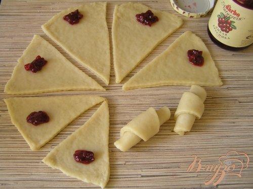 Печенье с брусничным соусом