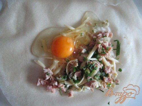 Брик с тунцом и яйцом