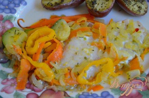 Морской окунь с овощным ассорти