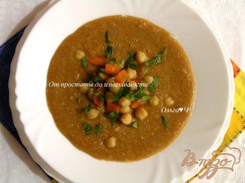Пряный суп с нутом, овощами и тмином