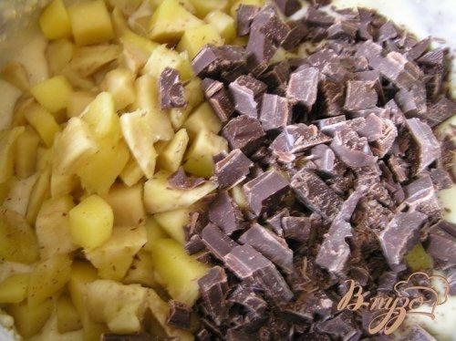 Кекс с овсяными отрубями, манго и темным шоколадом