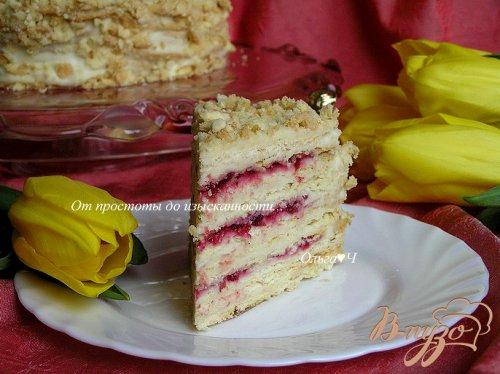 """Торт """"Наполеон"""" с кремом Муслин и брусничным соусом"""