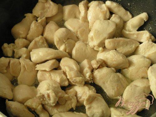 "Курица с рисом под соусом ""Морнэ"""