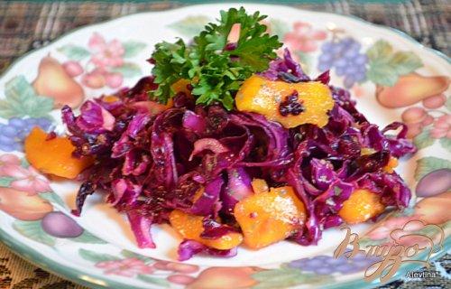 Салат с красной капустой и манго