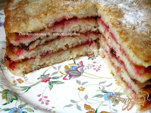 Торт из овсяных блинчиков с брусничным соусом