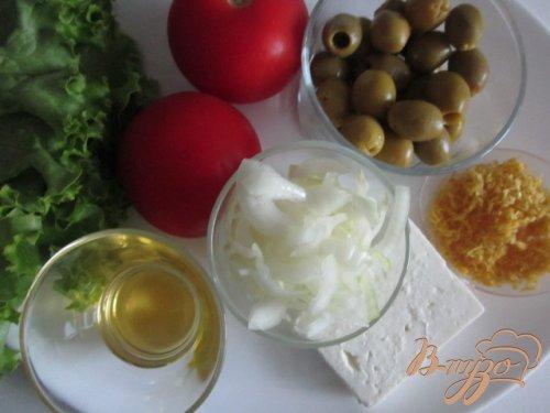 Салат с томатами, оливками и сыром Фета