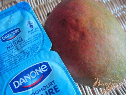 Крем-глясе с манго и йогуртом