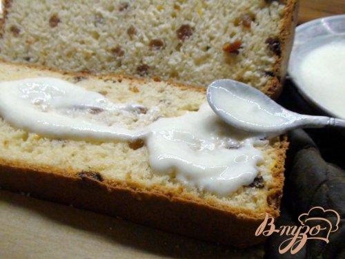 Кекс йогуртовый с лимонным кремом и глазурью.