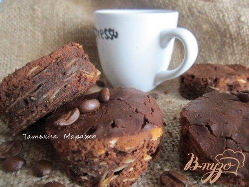 Кофейные брауни с миндалем