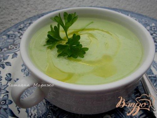 Суп-пюре из цветной капусты с зеленым горошком и Моцареллой