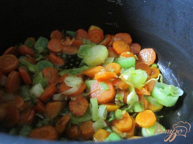 Фото приготовление рецепта: Морковно-кукурузный суп-пюре шаг №2