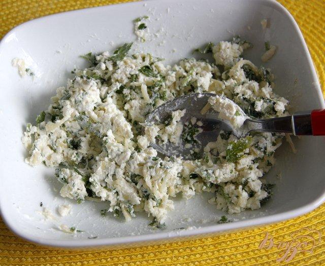 Фото приготовление рецепта: Греческие сфакьяни-питы шаг №5