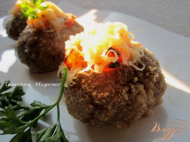 Фото приготовление рецепта: Мясные гнезда (или духовые котлетки с начинкой) шаг №6