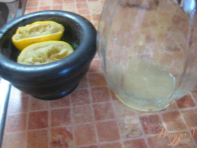 Фото приготовление рецепта: Лимонад с мятой шаг №3
