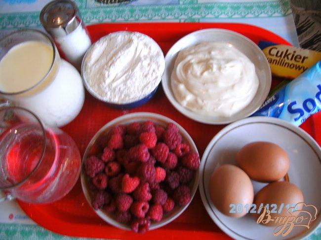 Фото приготовление рецепта: Блины с малиной шаг №1