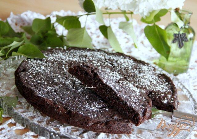 Фото приготовление рецепта: Итальянский шоколадно яблочный пирог шаг №7