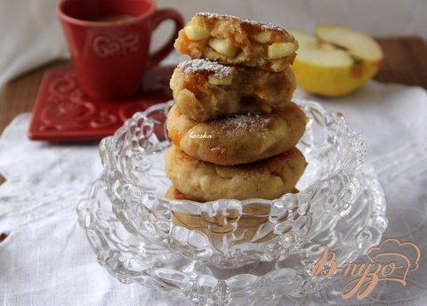 Рецепт Итальянские манные оладьи с яблоком и курагой