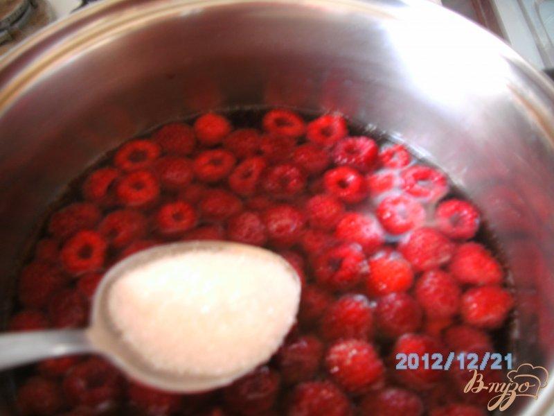 Фото приготовление рецепта: Кисель из малины шаг №2