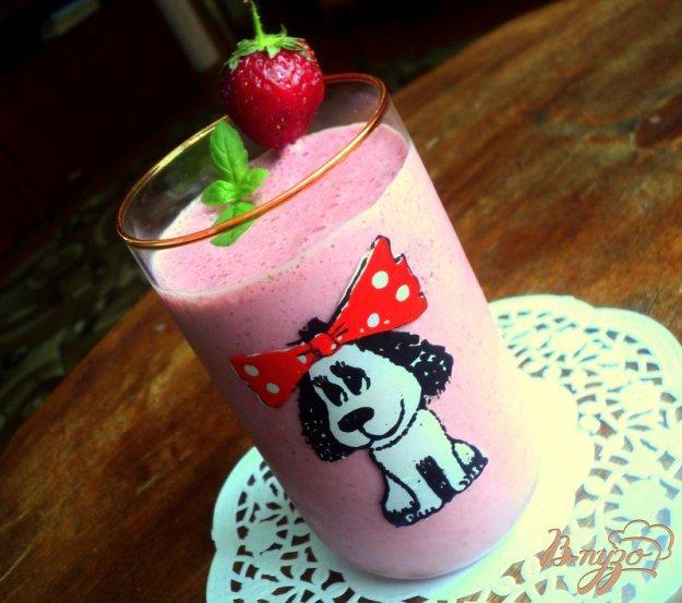 Рецепт Клубничный молочный коктейль