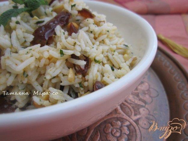 Рецепт Рисовый гарнир с финиками и орешками