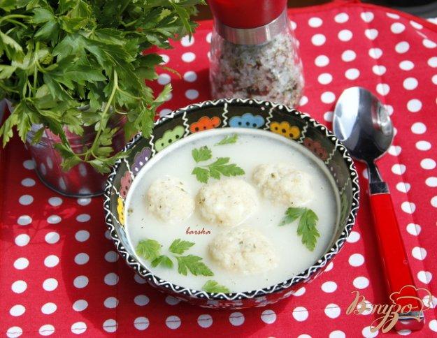 фото рецепта: Греческий суп с творожно-рисовыми фрикадельками