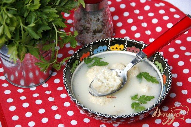 Фото приготовление рецепта: Греческий суп с творожно-рисовыми фрикадельками шаг №6