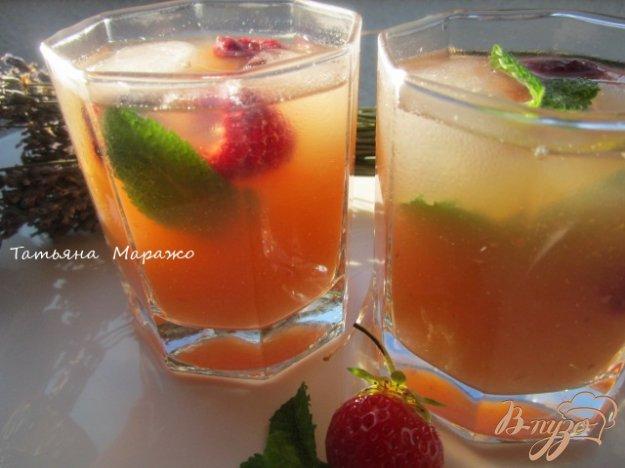 фото рецепта: Чайная настойка с грушей и персиками