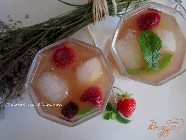 Фото приготовление рецепта: Чайная настойка с грушей и персиками шаг №6
